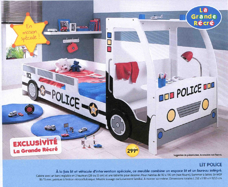 VLA LA POLICE - Lit cabane la grande recre
